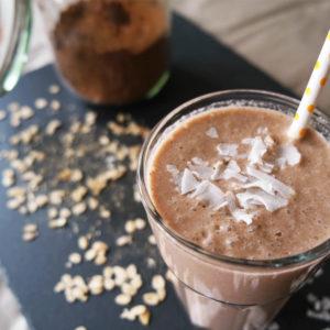 Kakao-Haferflocken Frühstücks-Smoothie