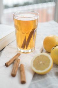 Rooibos Tee mit Zitrone und Zimt ohne Zucker