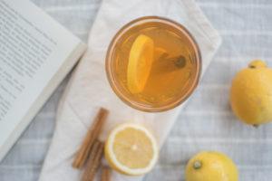 Heisse Rooibos-Zitrone mit Zimt